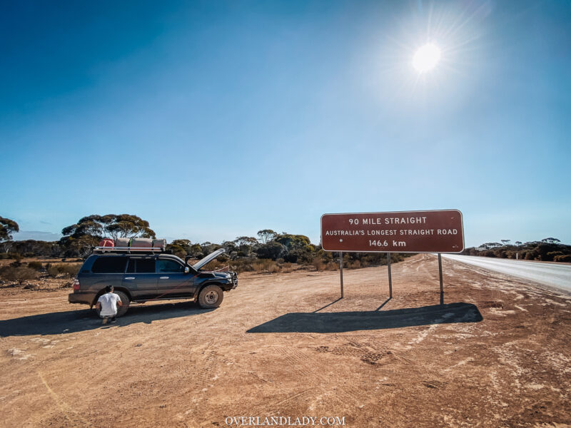 90 mile straight australia's longest straight road 146.6km with Toyota Landcruiser 100 series Overland Lady