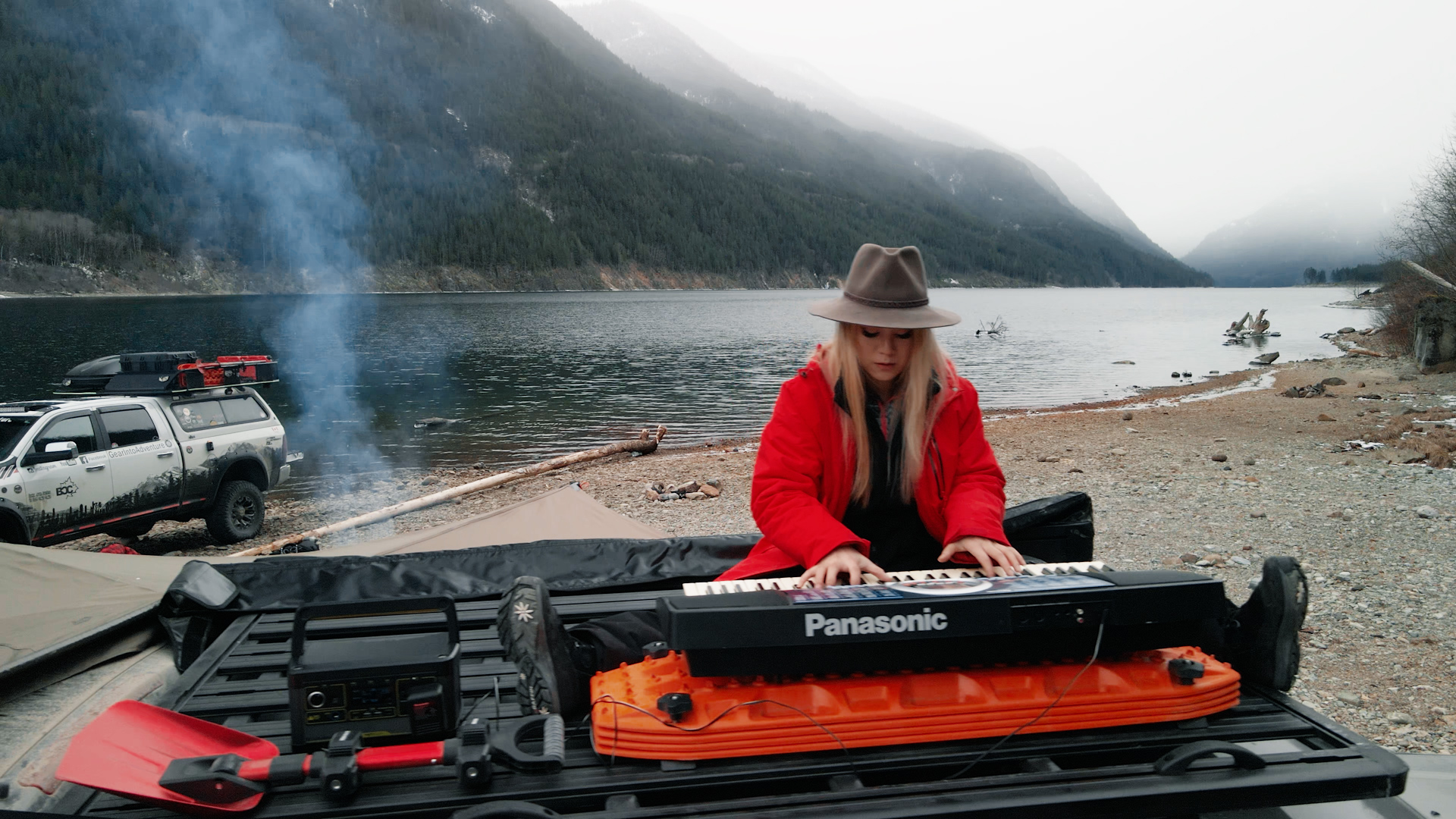 Playing the piano on rhino rack pioneer goal zero | Overland Lady by Monique Song